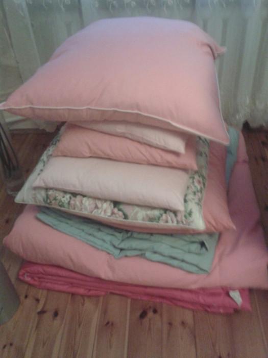 09a65ca8297ac3 Kołdra puchowa , dwie poduszki mała i duża, ręczniki, pościel: zdjęcie  78917771