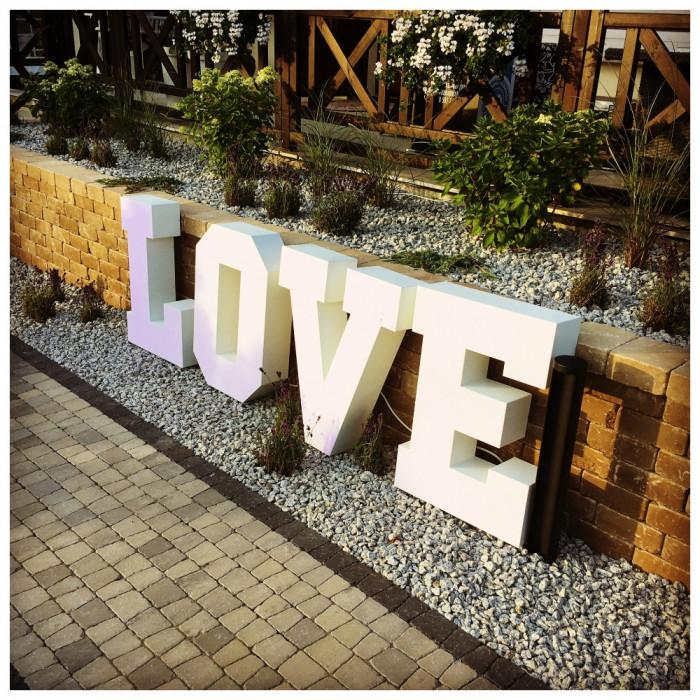 Napis LOVE   MIŁOŚĆ na wesela: zdjęcie 70624888