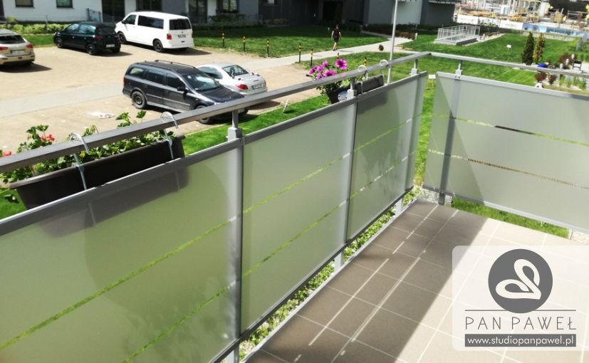 usługi oklejania szyb - oklejanie balkonów, folia szroniona, matowa: zdjęcie 83086918