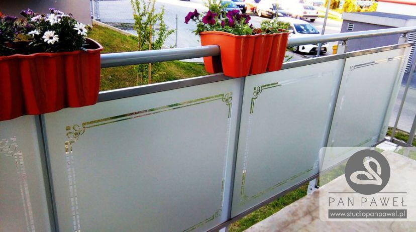 usługi oklejania szyb - oklejanie balkonów, folia szroniona, matowa: zdjęcie 83086932