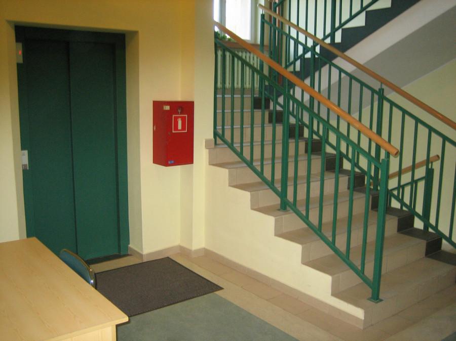 Biuro 31,80 m2 dwa pokoje (17,2 m2 i14,60 m2) Pokoje z klimatyzacją.: zdjęcie 83928936