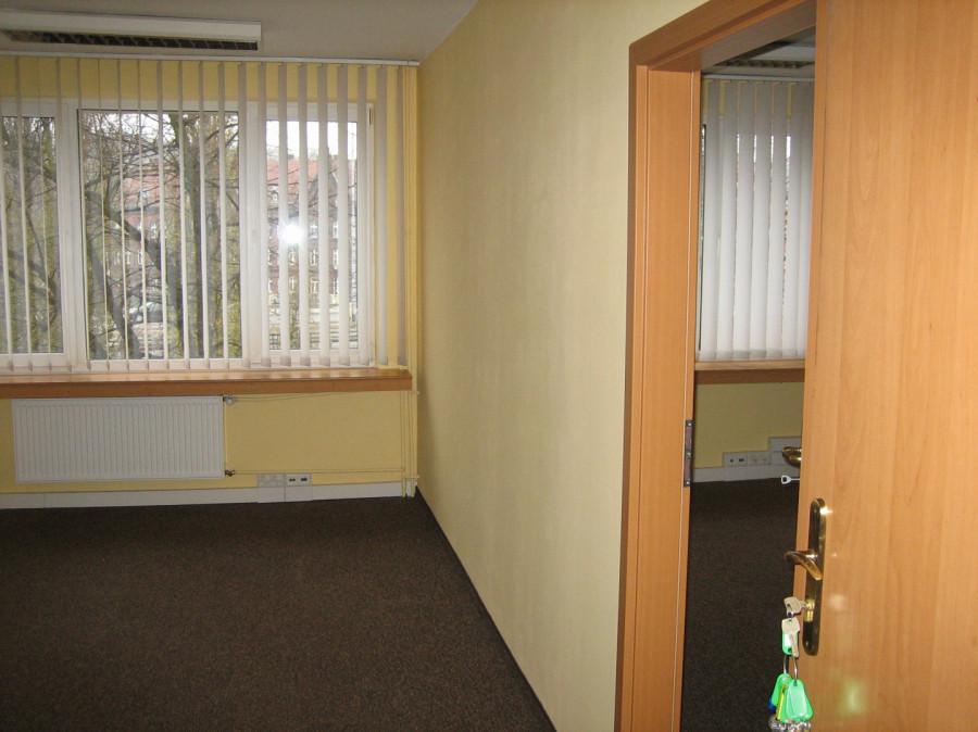 Biuro 31,80 m2 dwa pokoje (17,2 m2 i14,60 m2) Pokoje z klimatyzacją.: zdjęcie 83928938