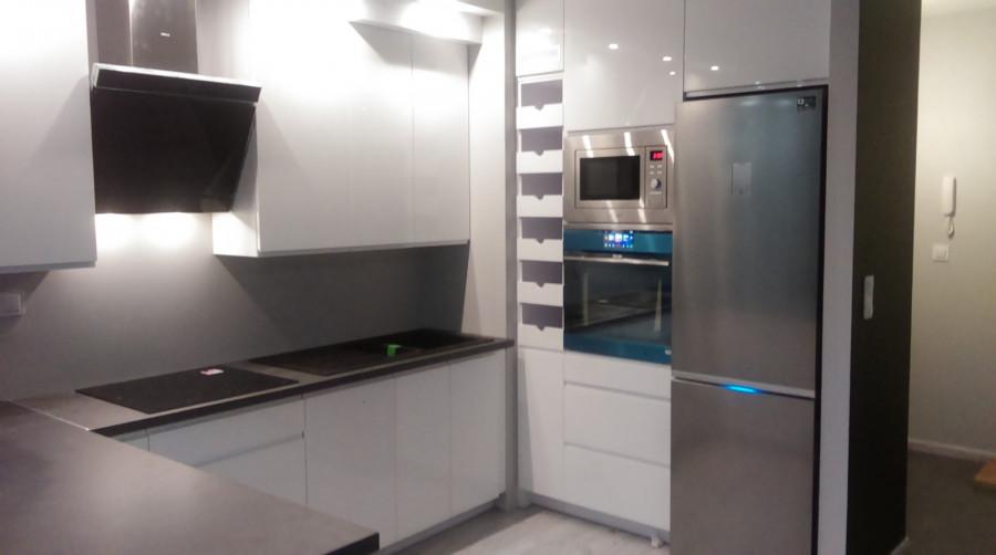 Meble na wymiar kuchnie szafy łazienki garderoby