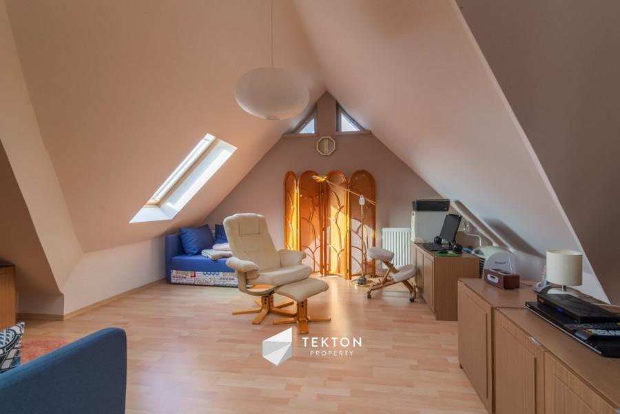 Dwupoziomowe mieszkanie z garażem i 2 piwnicami: zdjęcie 86635160