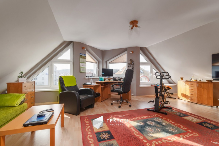 Dwupoziomowe mieszkanie z garażem i 2 piwnicami: zdjęcie 86635162