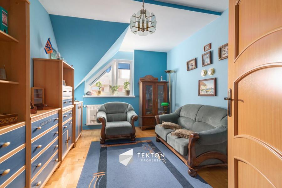 Dwupoziomowe mieszkanie z garażem i 2 piwnicami: zdjęcie 86635148