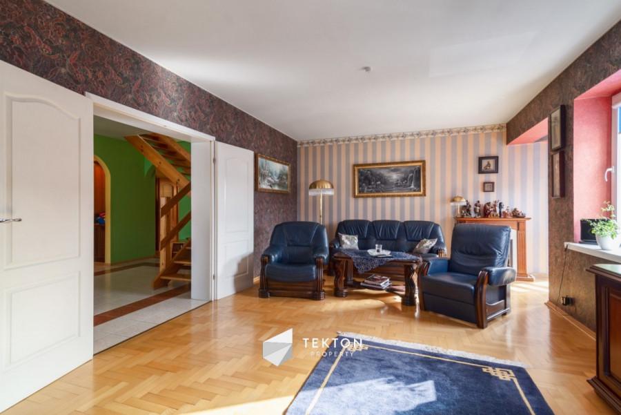 Dwupoziomowe mieszkanie z garażem i 2 piwnicami: zdjęcie 86635150
