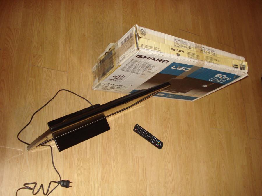 """Sharp LC-24LE510E TV 24"""" LED (60cm przekątna) uszkodzony.: zdjęcie 87279354"""