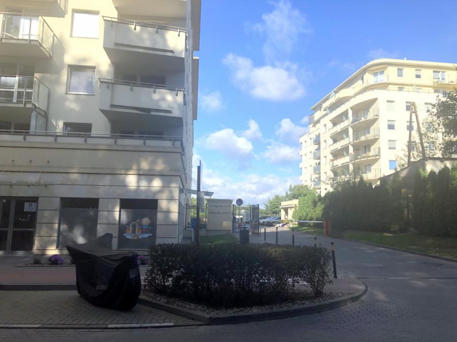 Przedszkole-żłobek-gabinet-handel-usługi-biuro-wejście z ulicy: zdjęcie 87622114
