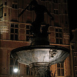 Fontanna Neptuna nocą