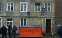 Mężczyzna na dachu przy ul. Kartuskiej