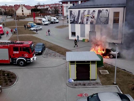 Skutki pożaru auta na Kowalach
