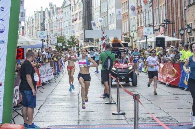 Na finiszu biegu na 5 km zwyciężczyni Paulina Kaczyńska
