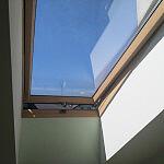Szlifowanie i malowanie okien połaciowych Velux