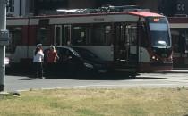 Skutki kolizji z tramwajem przy Operze...