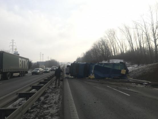 Wypadek TIR-a na obwodnicy na Szadółkach