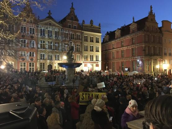 Popierają strajk nauczycieli