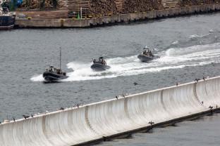 Pokazy antyterrorystów i ratowników na wodzie w Gdyni