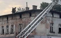 Skutki pożaru budynku przy pętli w Oliwie