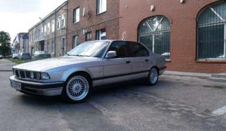 BMW E32 730iA V8