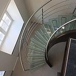 schody szklane i balustrada Dwór Artusa