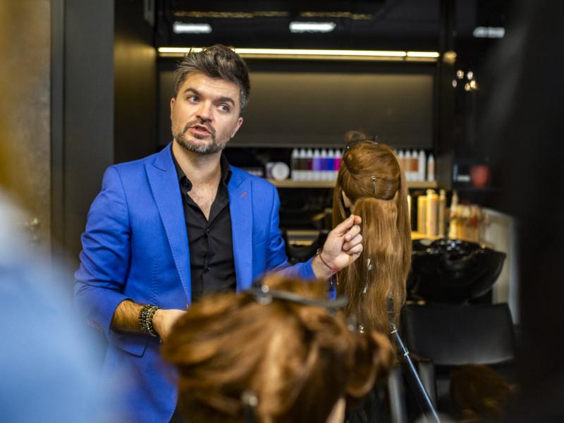 Metamorfoza w LoveHair & BarberShop. Długie i gęste włosy w jeden dzień z Showpony