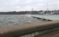 Wielkie fale na  Bałtyku przy Gdyńskiej...