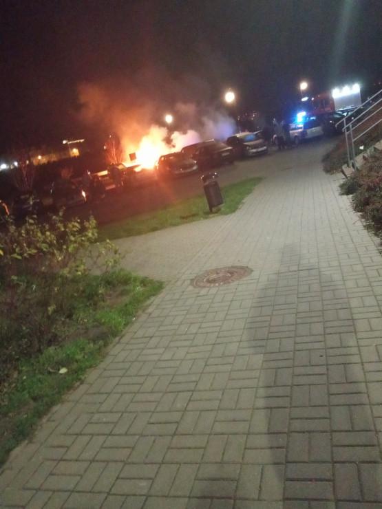 Pożar samochodu na Jeleniogórskiej w Gdańsku