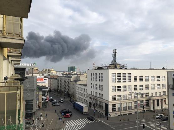 Czarny dym nad centrum Gdyni. Efekt pożaru w porcie