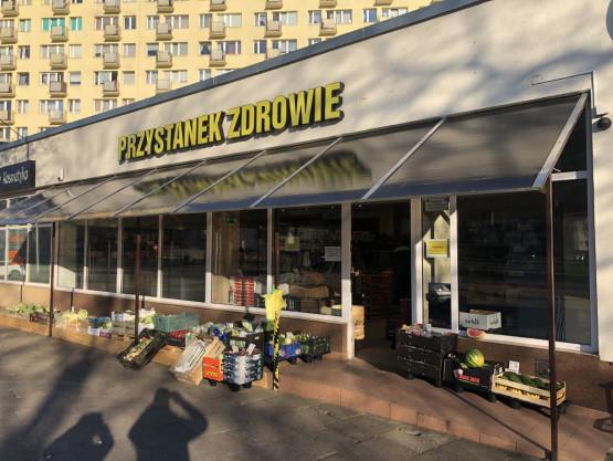 Brak kolejek do lokalnego warzywniaka na Pomorskiej w Gdańsku