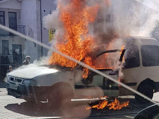 Pożar auta na Trakcie św. Wojciecha
