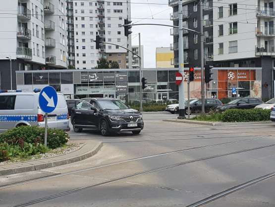 Zdjecia z zatrzymania uciekającego auta na Morenie