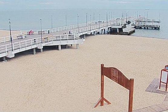 Pusta plaża Gdańsk Brzeźno.Trwa neutralizacja miny na zatoce