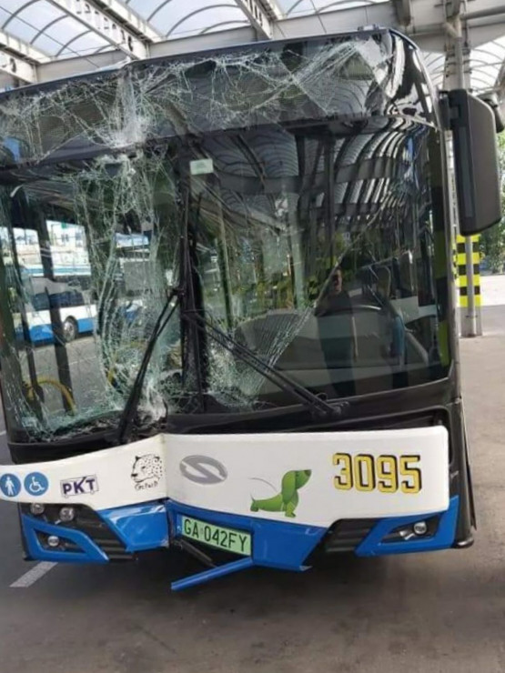 Rozbity trolejbus w Gdyni
