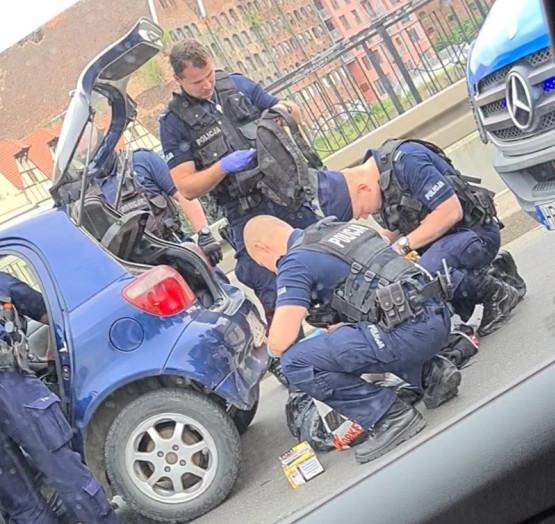 Akcja policji na ul. Chmielnej w Gdańsku
