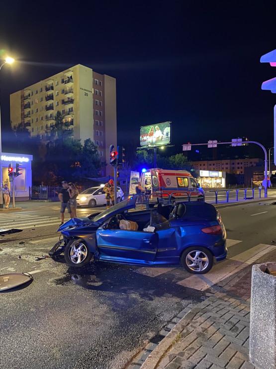 Pijany kierowca uderzył w słup