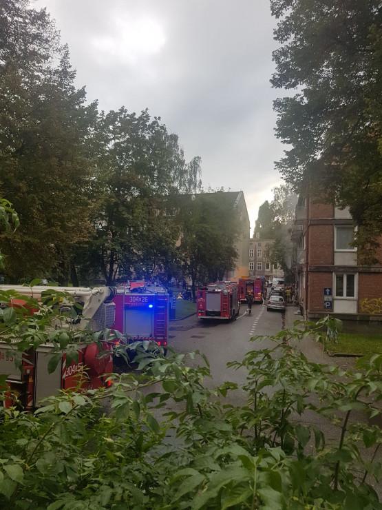 Pożar ma ulicy Refektarskiej, ulica Stajenna zablokowana