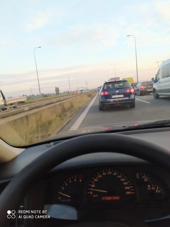 Korek na Trasie Sucharskiego od zjazdu z s7 w stronę tunelu