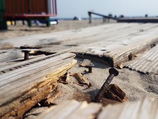 Plac zabaw na plaży w Gdyni do remontu