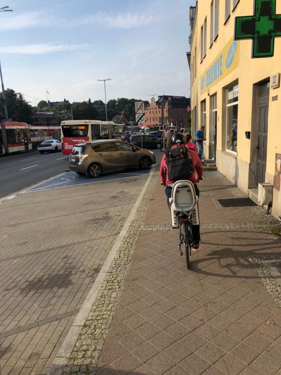 Problem ze ścieżką i piesi kontra rowerzyści