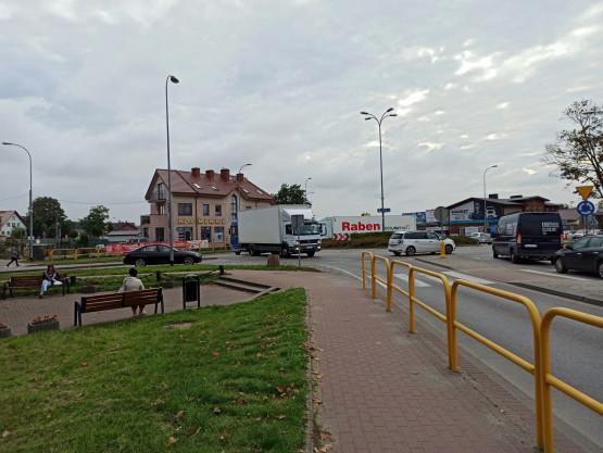 Awaria ciężarówki na rondzie w Chwaszczynie