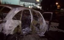 Tak wygląda wrak spalonego auta na Zaspie