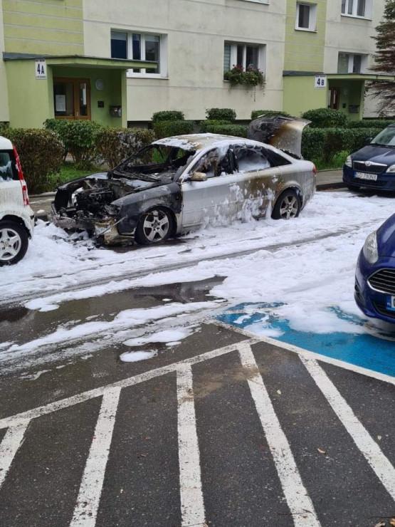 Spalone auto na Myczkowskiego w Gdańsku