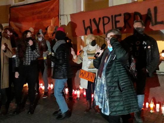 Niecenzuralne okrzyki na proteście w Gdańsku