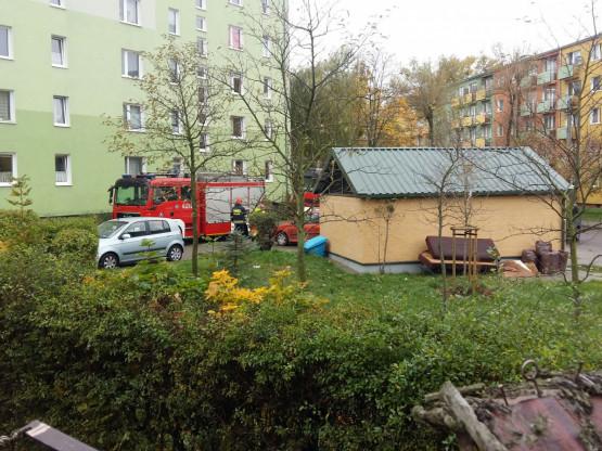 Interwencja straży pożarnej przy ul.Gniewskiej w Gdyni