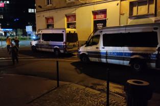 Policja pod biurem PiS na Targu Drzewnym