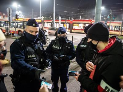 Protest maturzystów pod Kuratorium Oświaty w Gdańsku