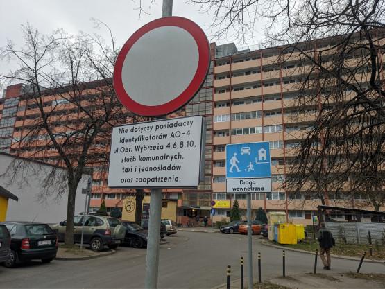 Parkowanie przy falowcach tylko dla mieszkańców