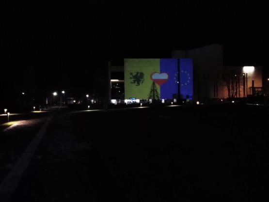Grafika wyświetlana na Teatrze Muzycznym w Gdyni