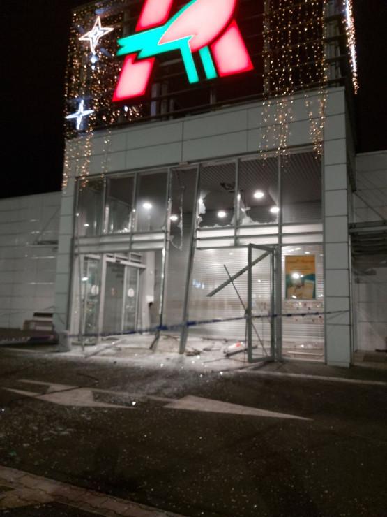 Napad na jubilera w Auchan